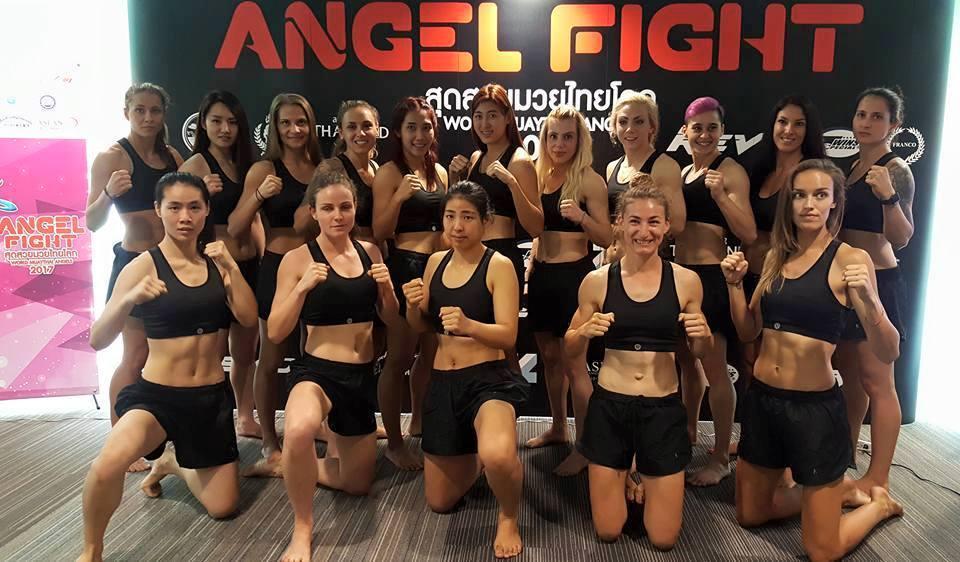 Mujeres aspirantes al torneo muay thai angels