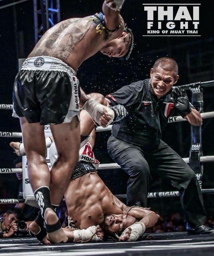 Luchador Sudsakorn y los tatuajes de su espalda