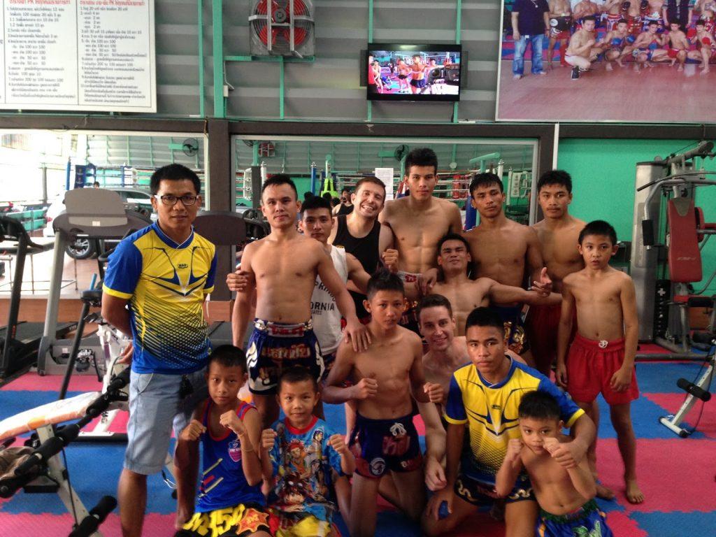 Thailand con luchadores del PKsaenchaimuaythaigym