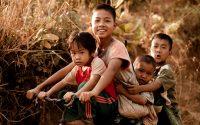niños thais